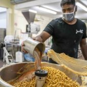 Baechlihof Manufaktur Hummus Produktion