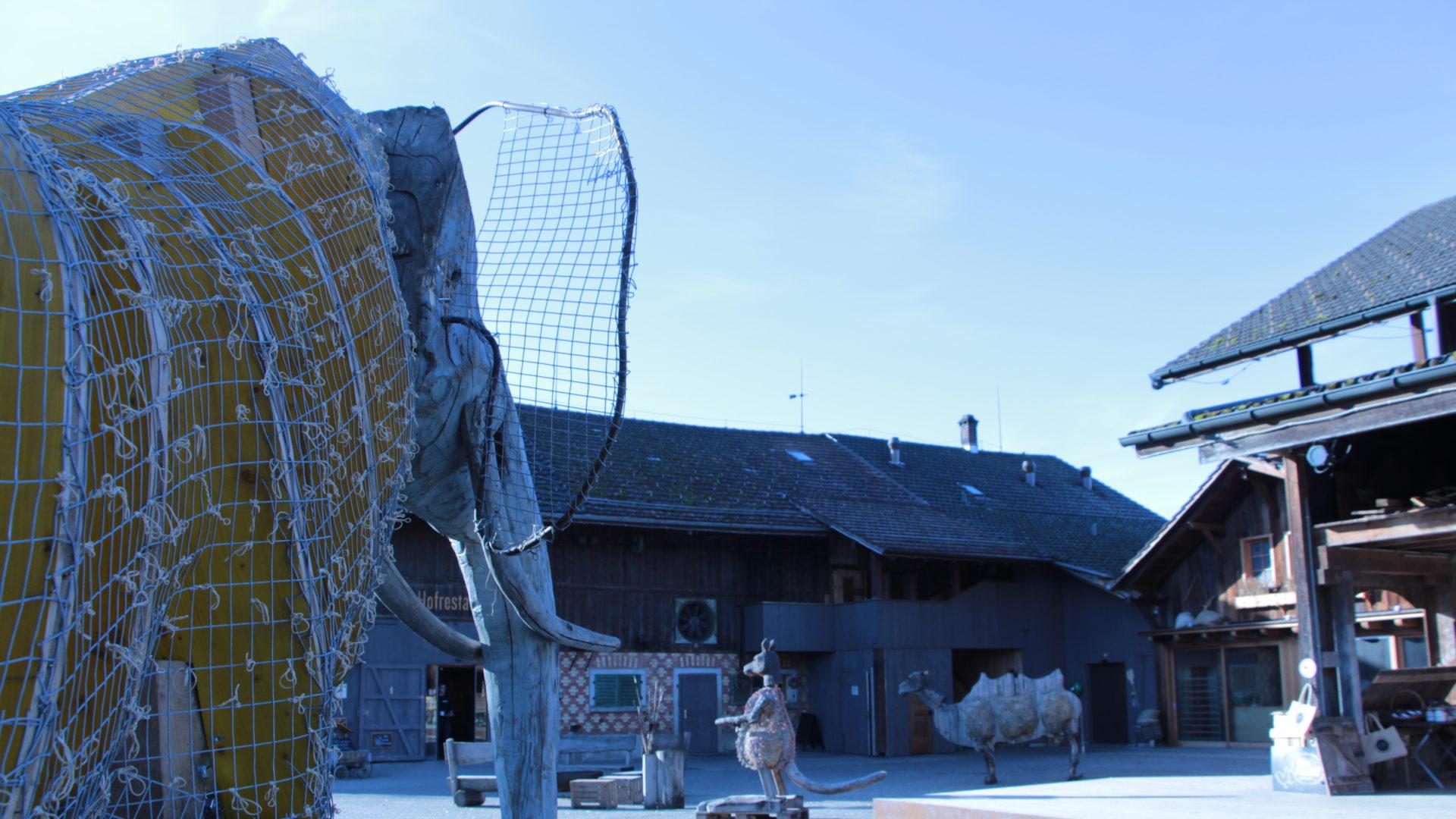 Elefantenfigur Juckerhof