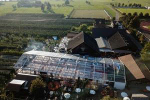 Grossanlass Bächlihof Luftaufnahme Zelt