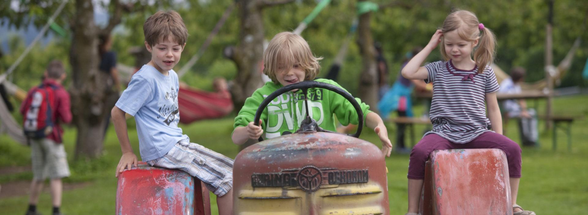 Juckerhof Traktor Kinder