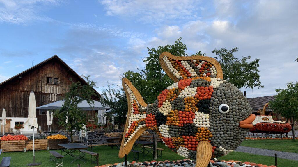 Kürbisfigur Regenbogenfisch Jona