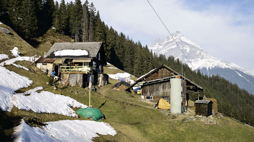 Kleiner Bauernhof am Hang