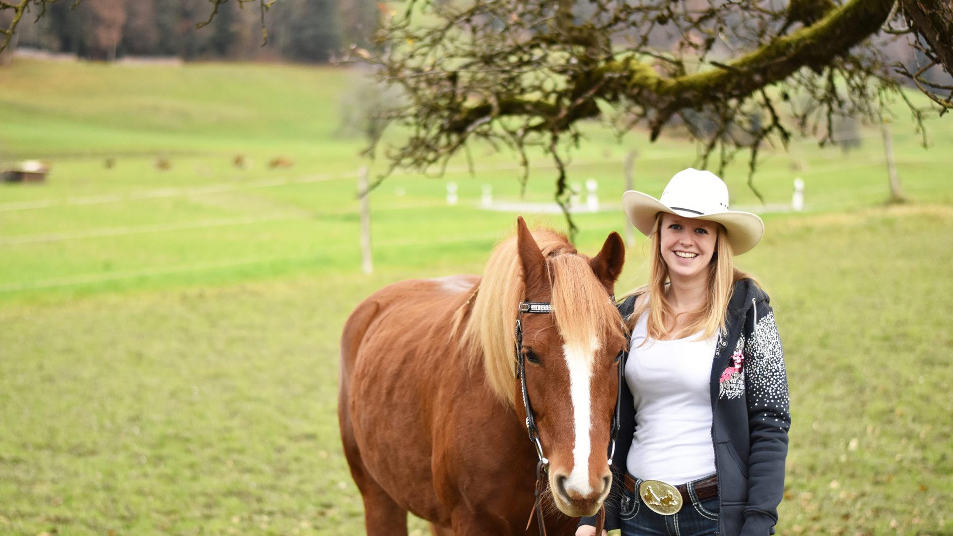 Petra Mueller Mit Pferd