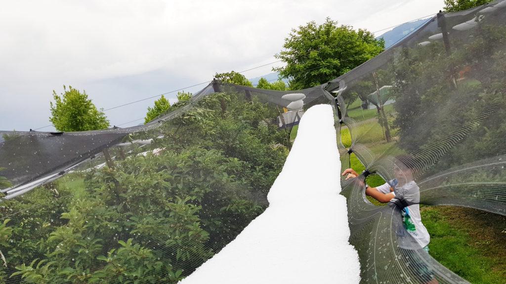 Hagel auf den Netzen